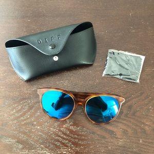 Diff Cosmo Sunglasses